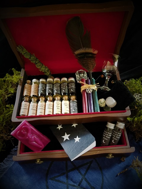 Delux Witch Box
